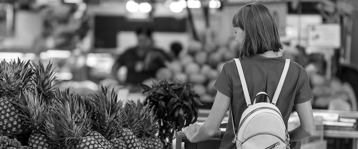 customer insight woman shopping at a supermarket