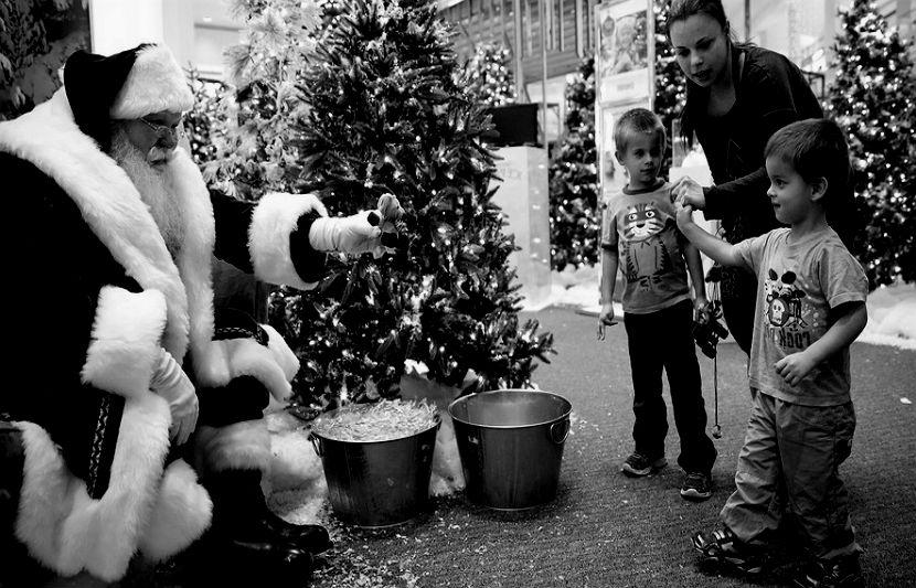 Mall-Santa-BW